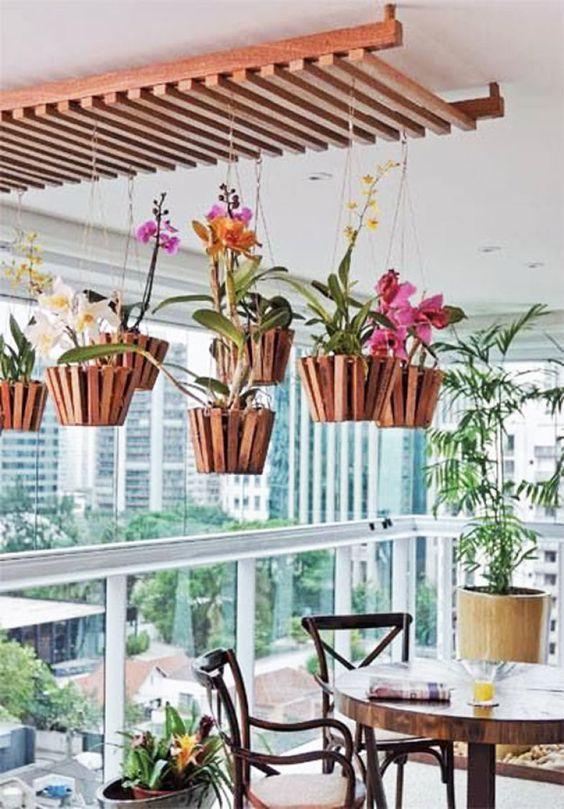 É primavera, inspire-se na nova estação para decorar a varanda ou sacada